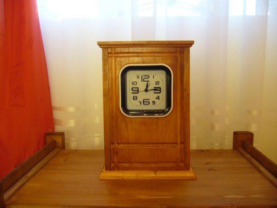 ceas lemn cires