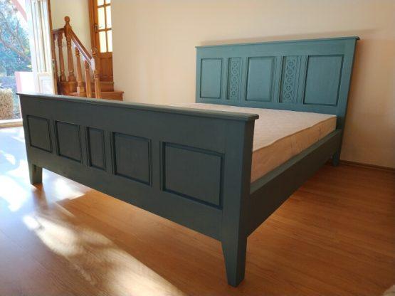 pat din lemn masiv