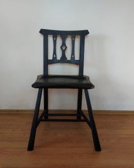scaun taranesc din lemn