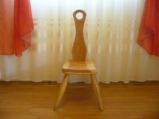 scaun mic din lemn de cires